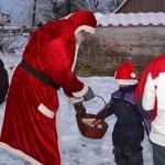 Juletræstænding @ P-pladsen v/forsamlingshuset